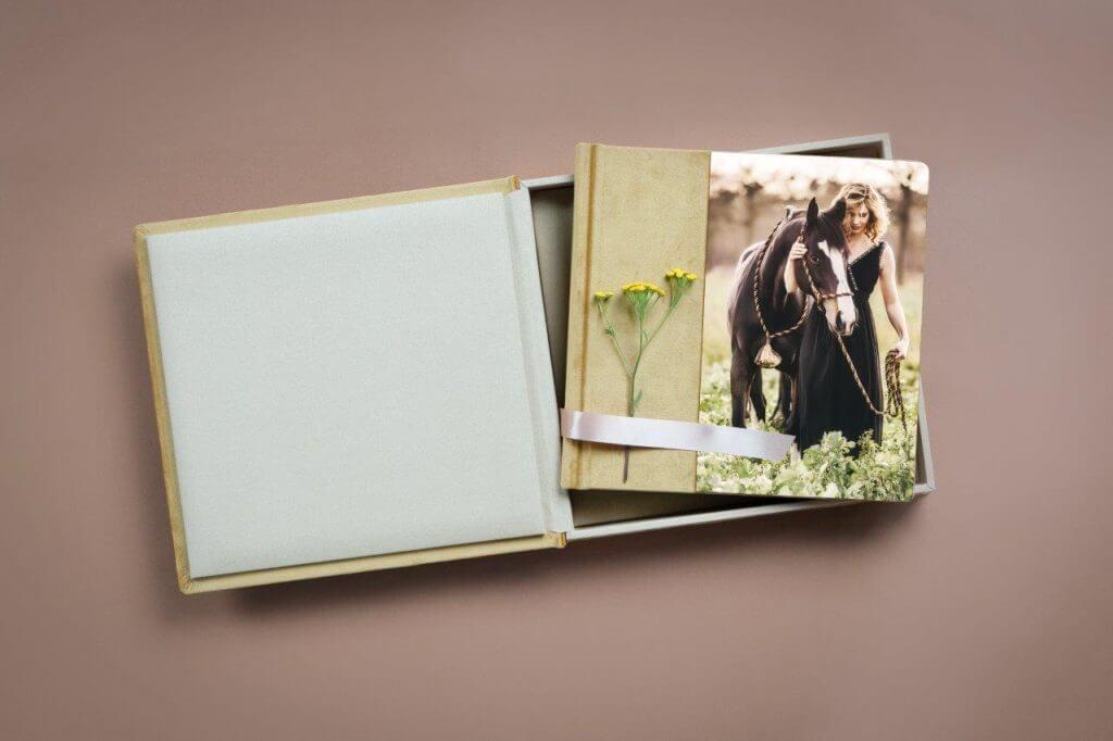 Fotoalbum-Acryl-Prestige-mit-Low-Flat-Bindung